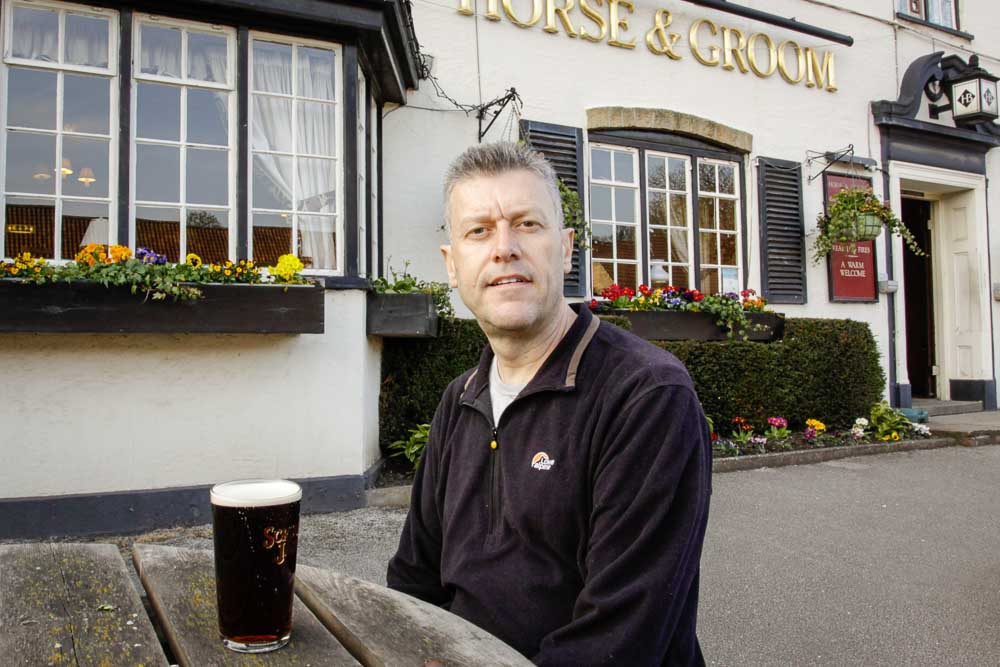 An ale at the Horse and Groom, Linby